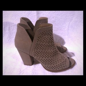 Ankle bootie peep toe Brand New, never worn